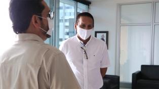 Suspenden a un gobernador colombiano tras ser acusado de sobreprecios en contratos por el coronavirus
