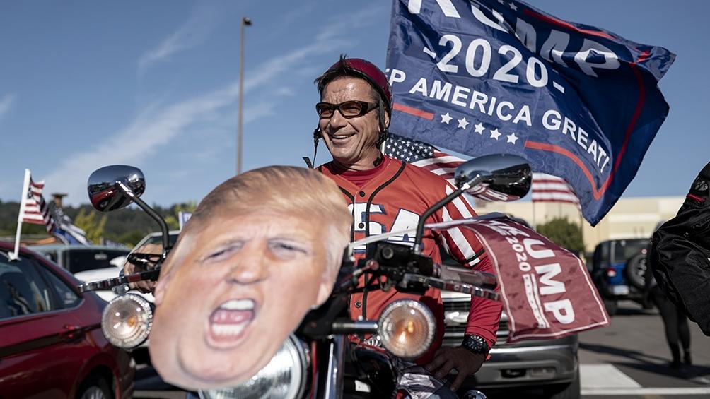 Trump llegó debilitado a las elecciones, pero las encuestas volvieron a subestimar el voto a su favor.