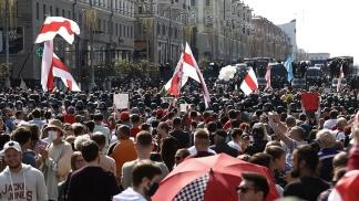 Protestas con calles repletas y sin distancia.