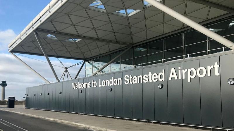Al menos 11 países europeos suspendieron vuelos del Reino Unido por la nueva cepa de Covid-19