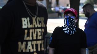Deportistas rechazan cargos leves a policía por la muerte de una afroestadounidense