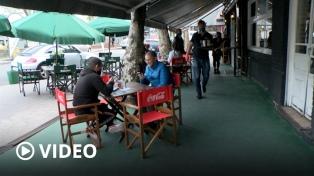 Volvió el café porteño en la calle con la reapertura de bares y restaurantes