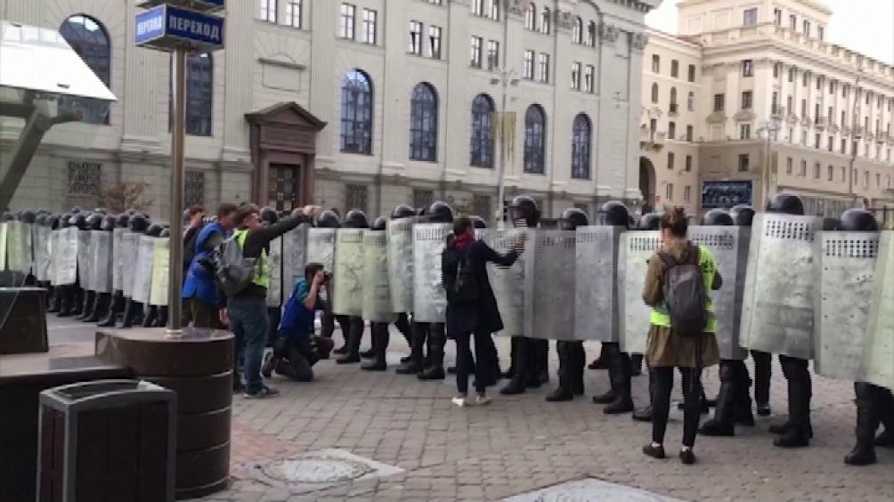 Centenar de detenidos en una nueva manifestación contra el gobierno de Bielorrusia