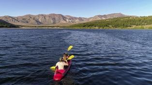 Esquel busca atraer al turismo local con nuevos atractivos en la lagura La Zeta