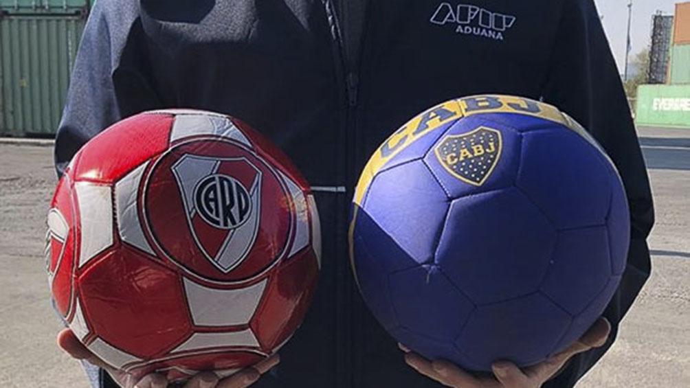 La Aduana firmó un acuerdo con AFA, River y Boca: donarán mercadería incautada