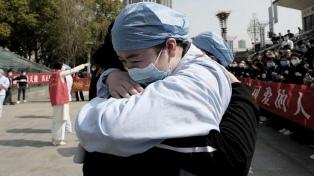 Mientras Rusia distribuye su vacuna, China celebra 23 días sin contagios locales