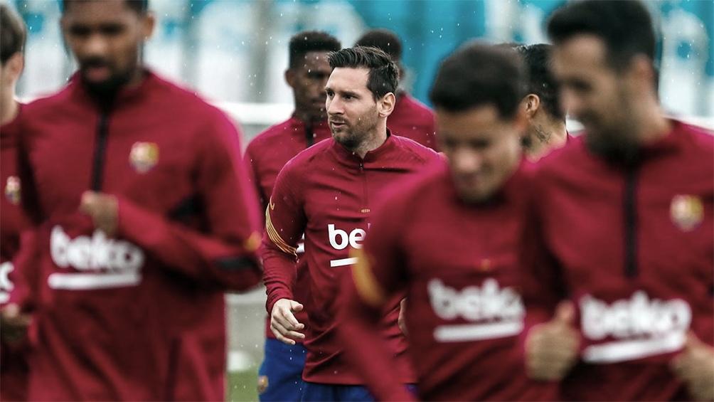 Messi entrenó junto a sus compañeros en un solo turno