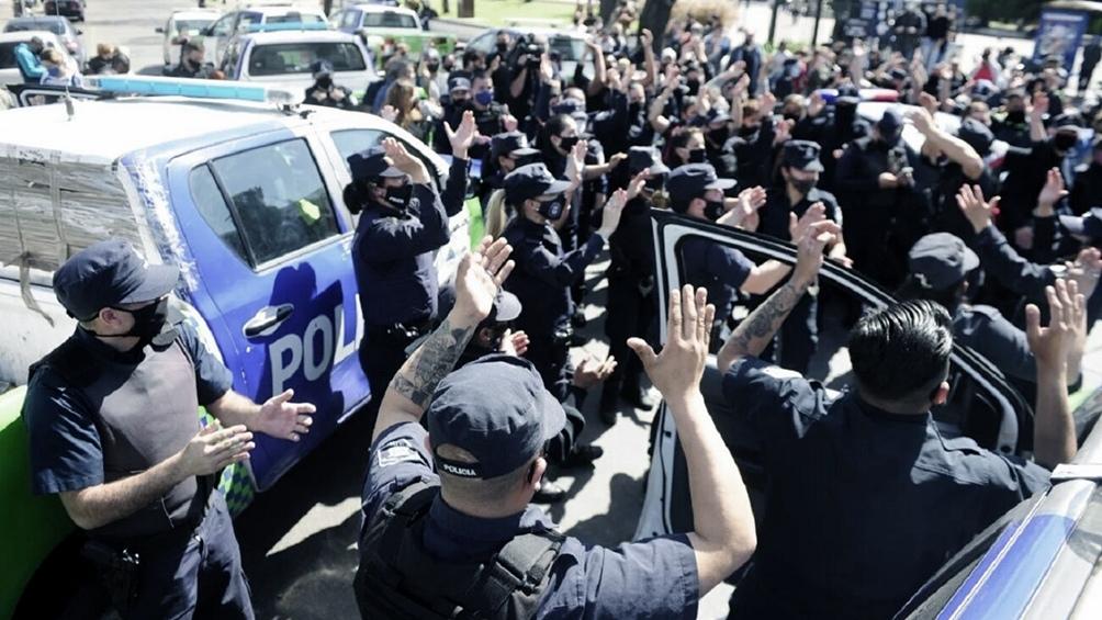La policía espera definiciones sobre el porcentaje de aumento salarial