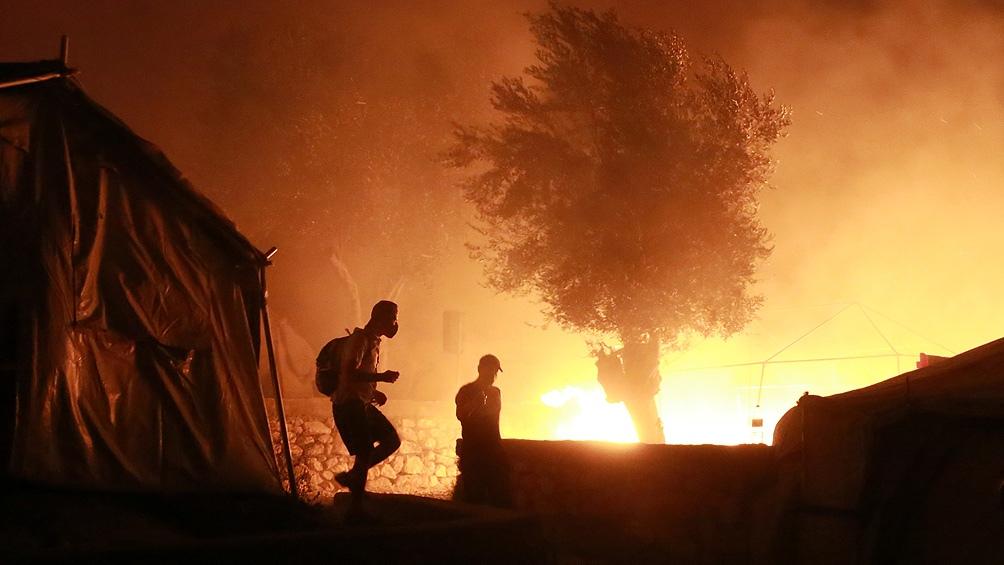 Las autoridades griegas creen que el incendio en Lesbos fue intencional.