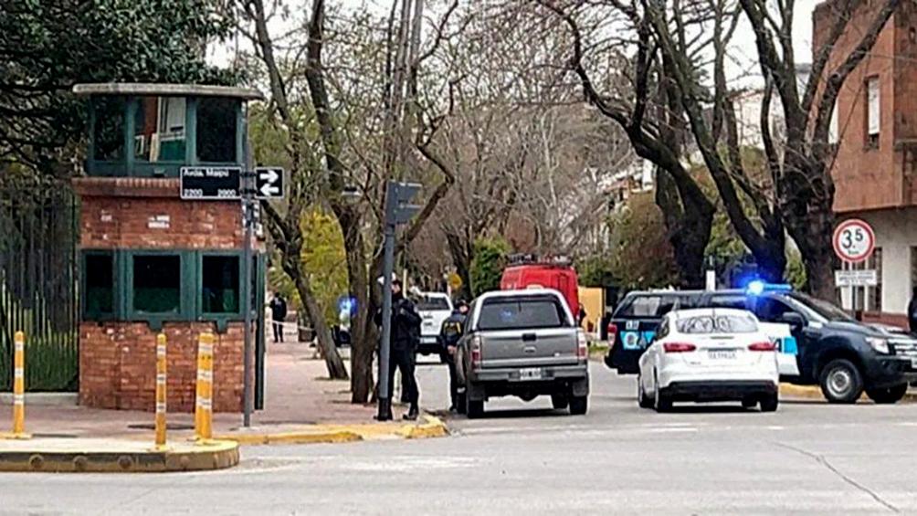 Un hombre fue detenido tras arrojar una bomba molotov contra la quinta presidencial