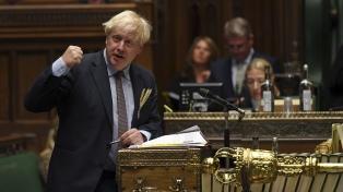 Londres presentó su revisión del acuerdo de Brexit, que tensa aún más la negociación con la UE