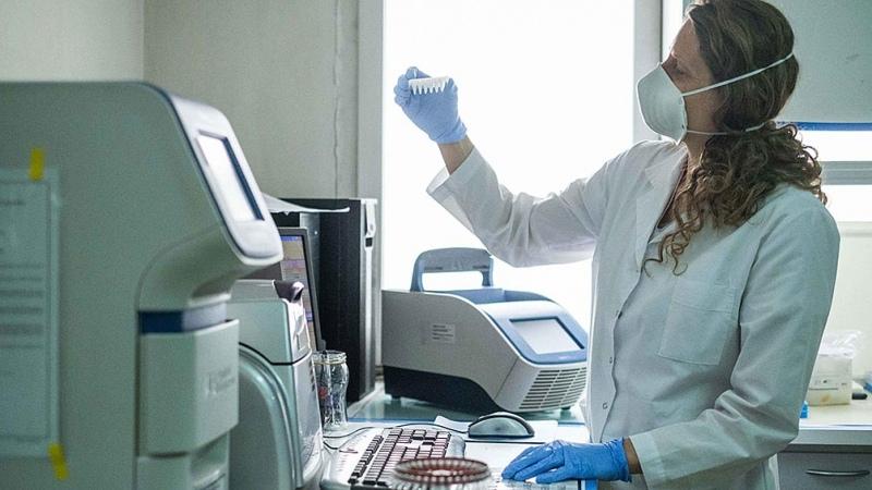 AstraZeneca pide autorización a la Unión Europea para su vacuna contra el coronavirus