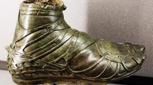 Una atípica exposición virtual invita a descubrir el calzado de las obras maestras de la escultura