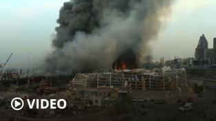 Gran incendio en el puerto de Beirut a un mes de letales explosiones