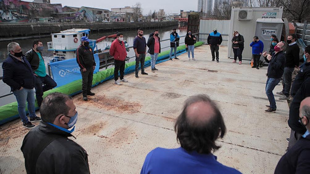 Son 43 las cooperativas que se ocupan de la limpieza de las márgenes del río.