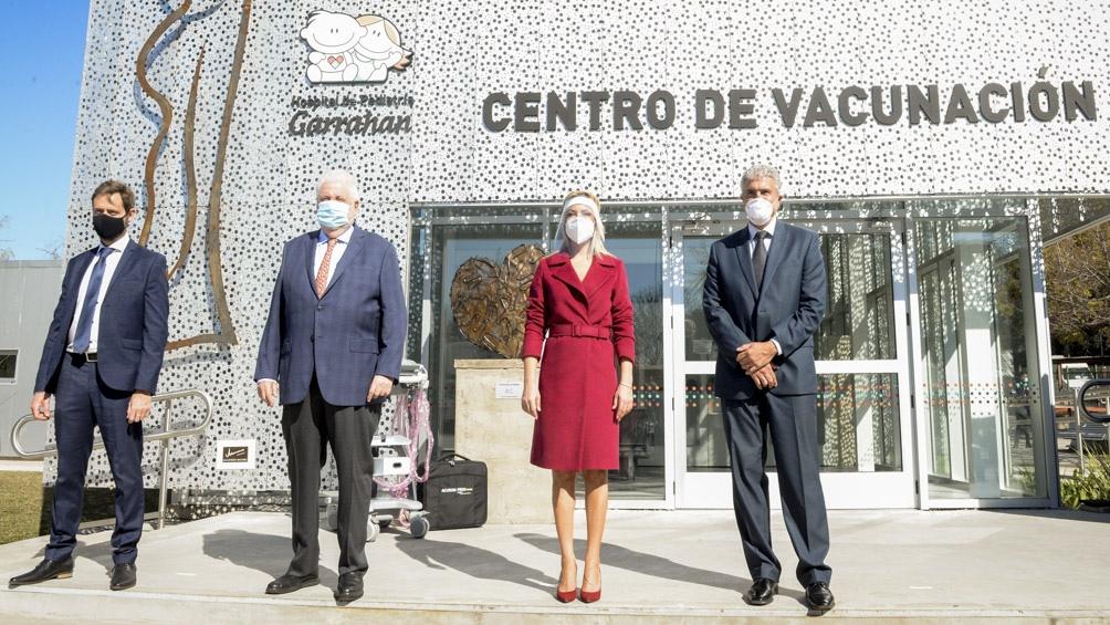 Yáñez fue el enlace solidario entre el centro de salud y la fundación, que también entregará otros dos equipos de ultrasonido.