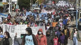 Organizaciones sociales marchan a Plaza de Mayo por el inminente desalojo en Guernica