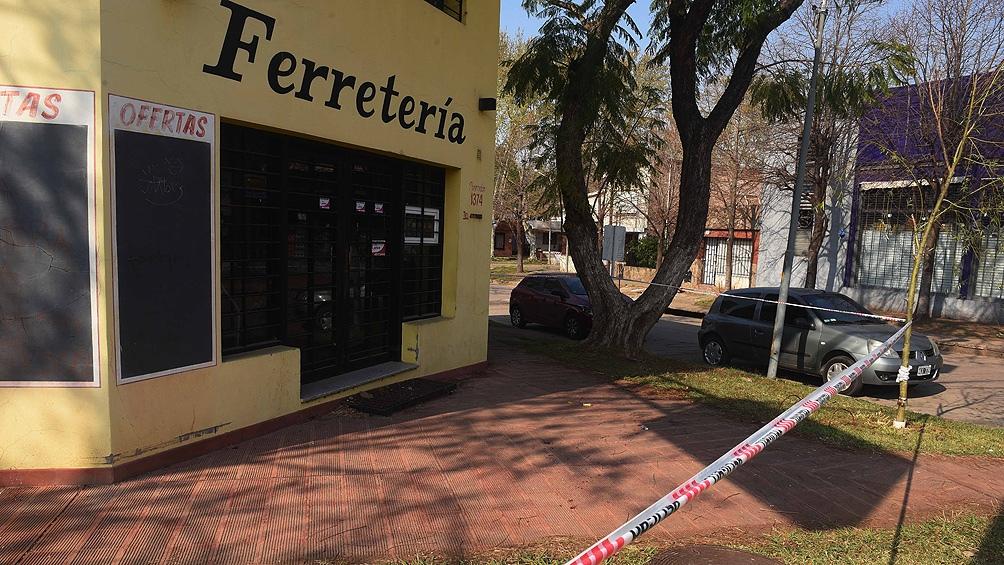 De la escena del crimen los peritos secuestraron varias vainas servidas calibre 40 milímetros.