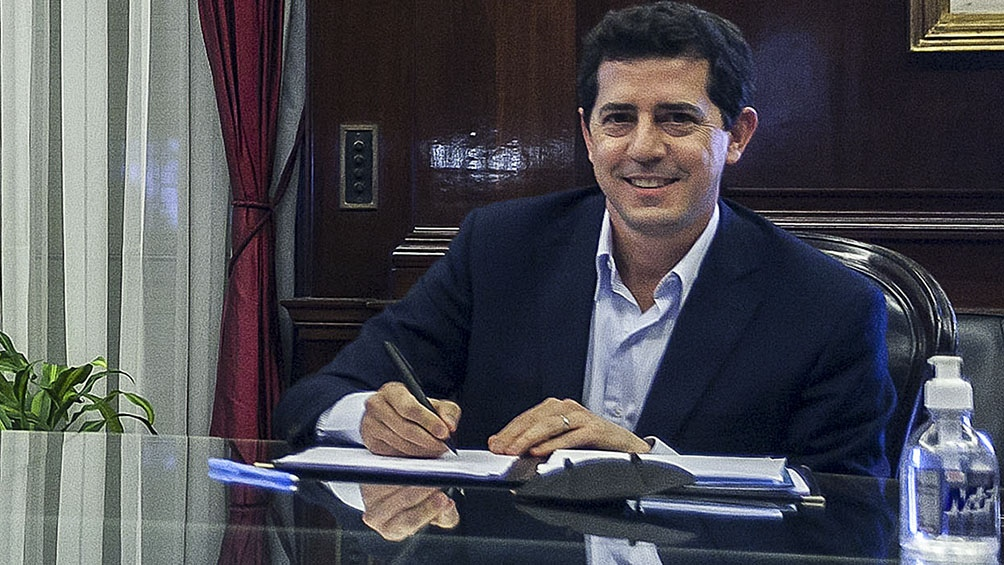 Eduardo De Pedro, ministro de Interior.