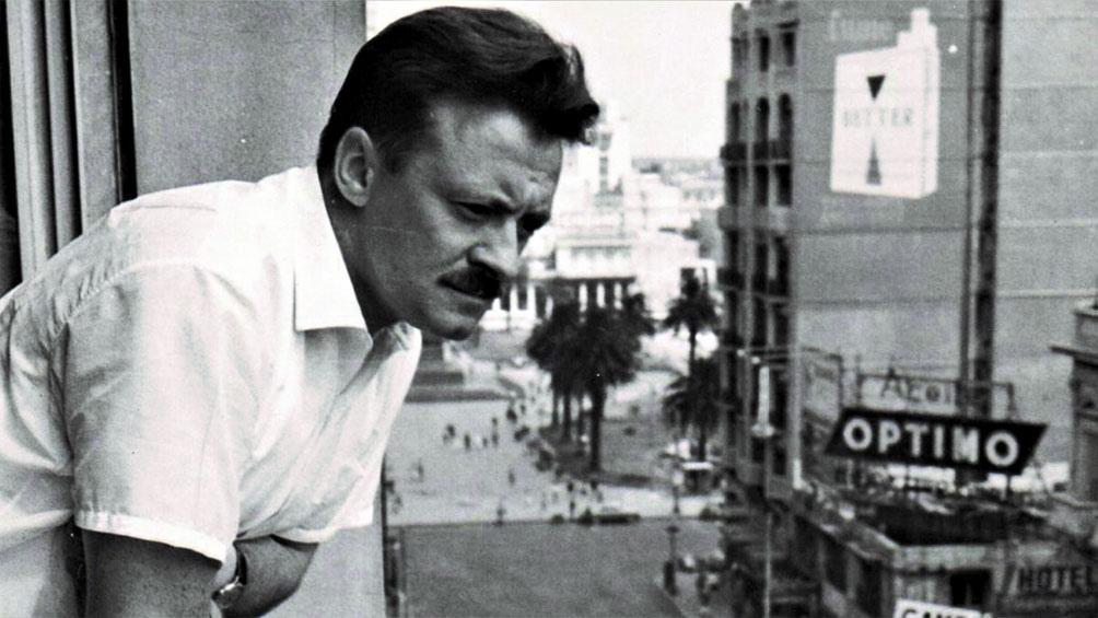 Benedetti nació el 14 septiembre de 1920 en Paso de los Toros, Tacuarembó (Uruguay), en una próspera familia de inmigrantes italianos.