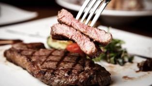El consumo de carne vacuna ronda los 50,3 kg per cápita, con una caída interanual de 2,7%