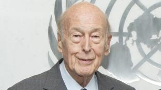 El expresidente francés Giscard d'Estaing murió con coronavirus, afirmaron sus familiares