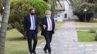 """Fernández, Cafiero y Vizzotti analizan posibles """"nuevas medidas"""" ante el aumento de casos"""