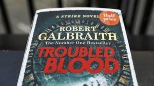 Rowling vuelve a encender la polémica con un personaje de una sospechosa travesti asesina