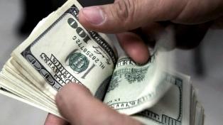 El dólar oficial subió a $80,80 y el contado con liquidación avanzó 0,2%, a $145,89