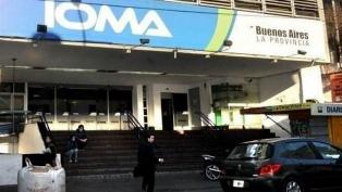 """IOMA advierte que obligar al afiliado a abonar como particular es un """"cobro indebido"""""""
