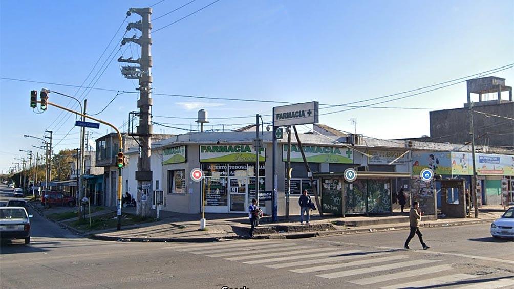 En la esquina de Polledo y Carlos Casares los asaltantes robaron el camión y encerraron al conductor y a su acompañante.