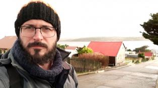 El santiagueño Ernesto Picco, ganador de la Beca Michael Jacobs, presenta su libro sobre Malvinas