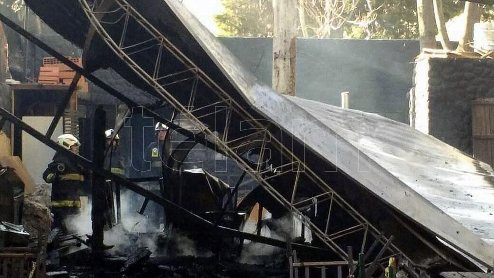 El incencio se produjo en una cervecería ubicada en la avenida Rivadavia 10.400