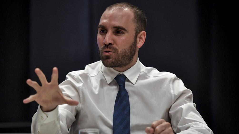 El ministro explicó las medidas adoptadas por el Gobierno ante un grupo de periodistas