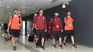 El plantel de Gallardo viajó a Lima con el equipo casi completo