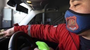 Un lavadero de autos, la alternativa de bomberos de Villa Ballester para afrontar gastos en pandemia