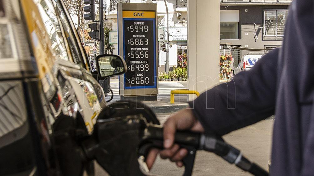 La petrolera YPF puso en vigencia esta medianoche un aumento del 3,5 por ciento promedio en el precio de sus combustibles.