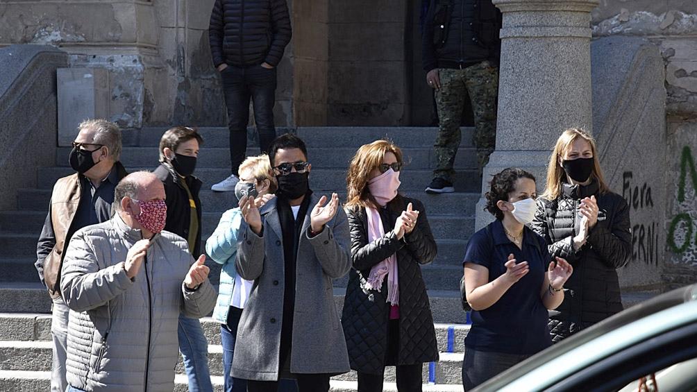 Protesta del sector turístico por nuevos impuestos a los pasajes al exterior