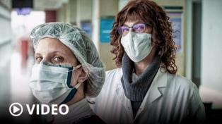 """""""+ESENCIALES"""", una muestra homenaje a quienes sostienen nuestro sistema de salud"""