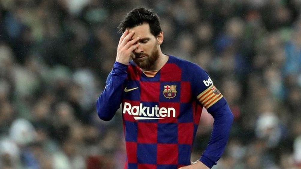 La expulsión de Messi se aplicó a través del VAR.