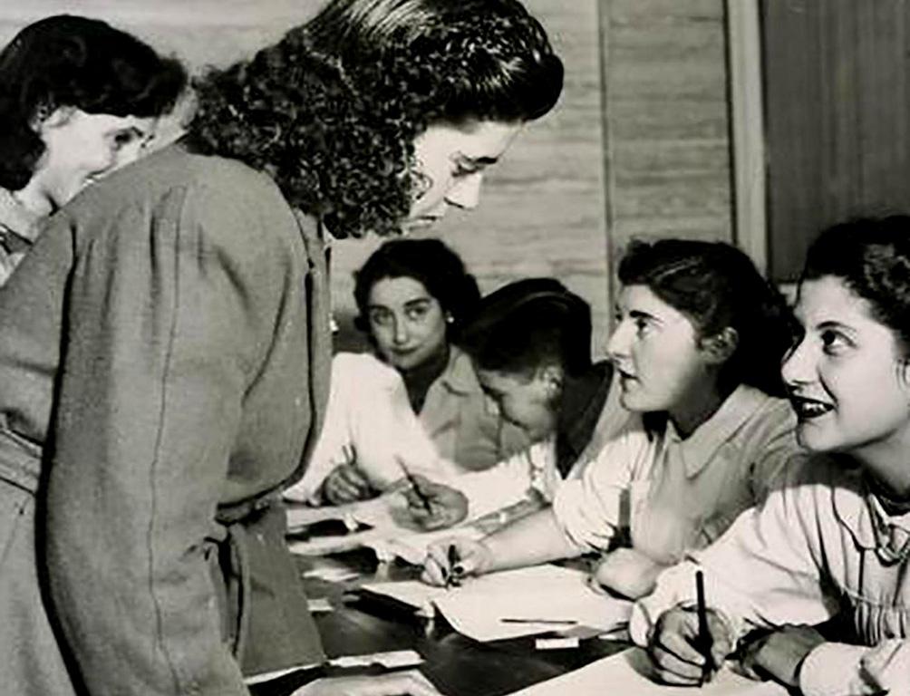 La promulgación de la Ley 13.010 de voto femenino fue impulsada por Eva Perón