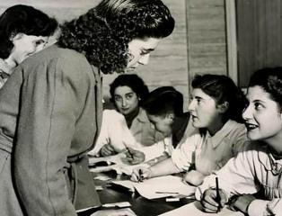 Comemora-se o 74º aniversário da promulgação da Lei que instituiu o voto feminino na Argentina