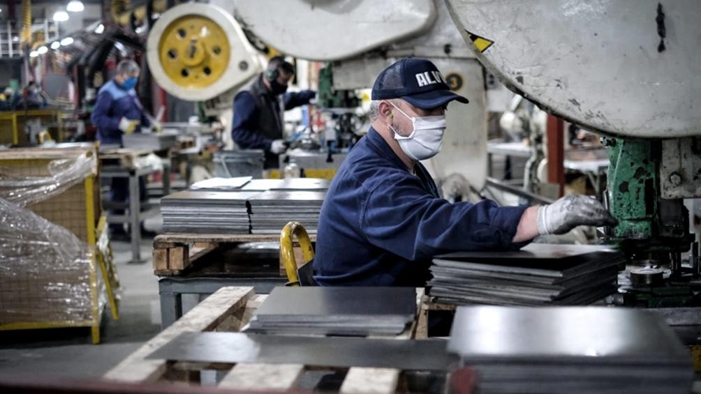 Más del 50% de los empleos perdidos en pandemia se recuperaron en el tercer  trimestre - Télam - Agencia Nacional de Noticias