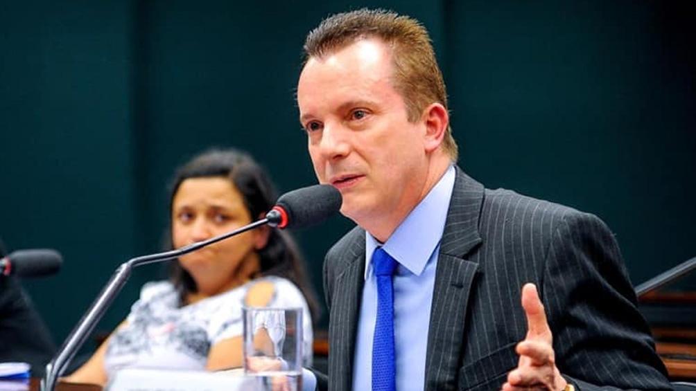 Russomano es conocido por su programa televisivo en la TV Record, de la Iglesia Universal.