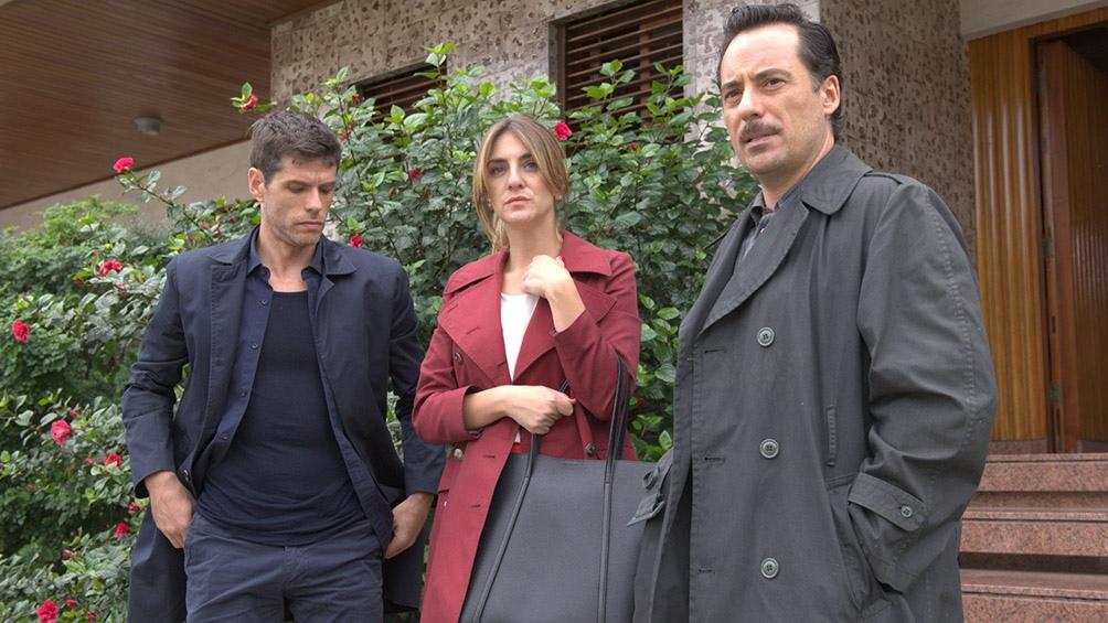 """Zylberberg, con Pérez y Velázquez en una escena de la nueva serie """"Post Mortem""""."""