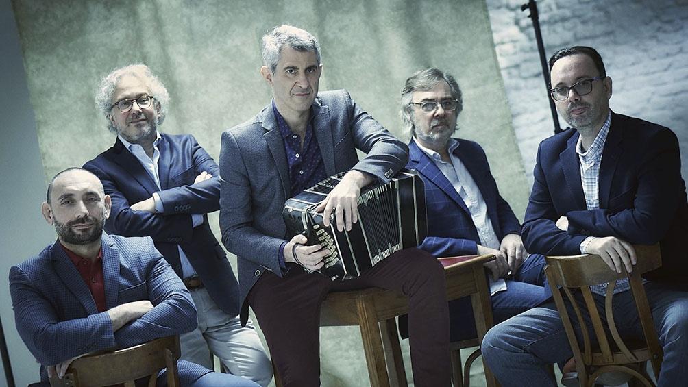 Quinteto Piazzolla: Pablo Mainetti, Daniel Falasca, Serdar Geldymuradov, Nicolás Guerschberg y Armando de la Vega.
