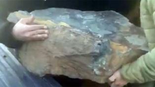 La Justicia busca a vándalos que arrojaron una piedra de gran tamaño a un dique