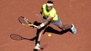 Nadal avanzó a paso firme y Djokovic fue sorpresivamente eliminado en Montecarlo