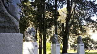 """Desde José Luis Cabezas hasta el dios griego Zeus, """"cada monumento cuenta su historia"""""""
