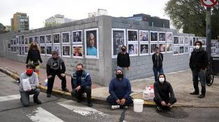 La muestra-homenaje �+Esenciales� llegó a las calles porteñas